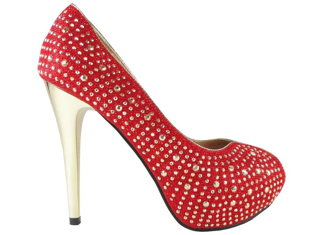 Rote High Heels mit Nieten auf der Plattform - 1