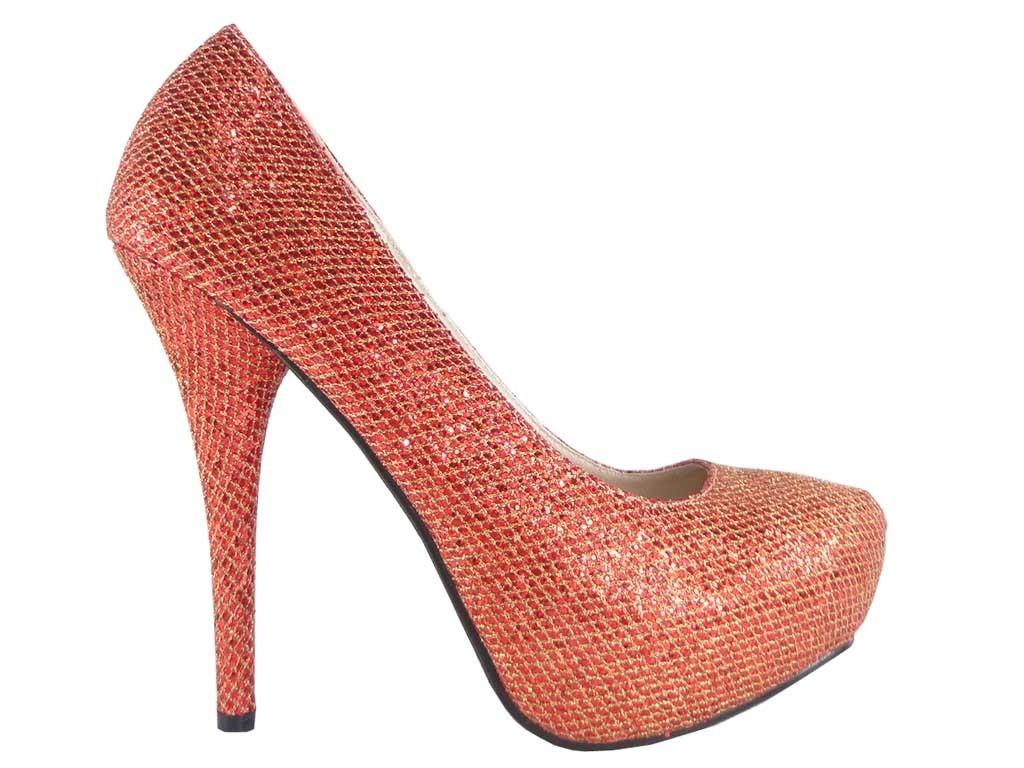High Heels auf der Plattform rot