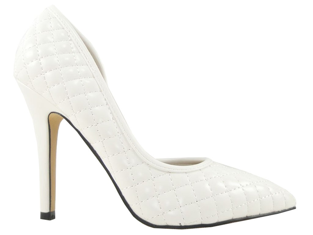 Asymmetric white quilted pins - 1