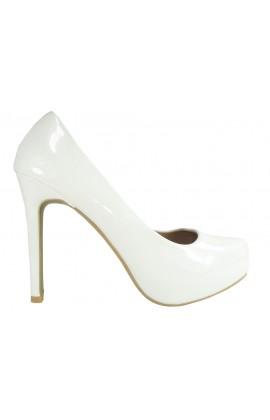 Białe szpilki lakierki buty ślubne czółenka