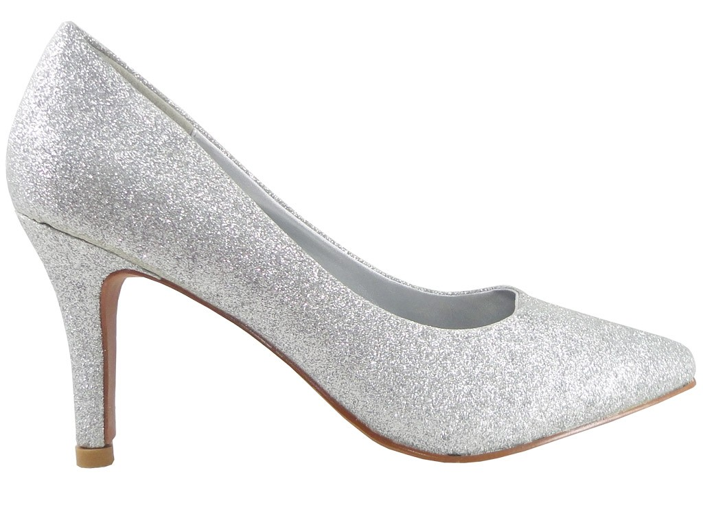 95c09ad64a6d Srebrne buty damskie na bardzo niskim obcasie