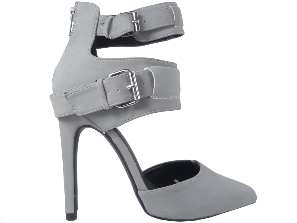 Pin sandals with an ankle strap - 1