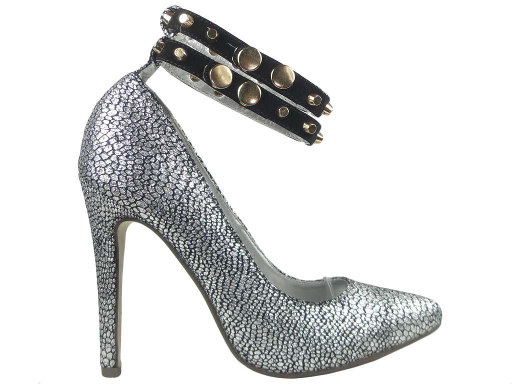 Silberne Stilettos mit Knöchelriemen - 1