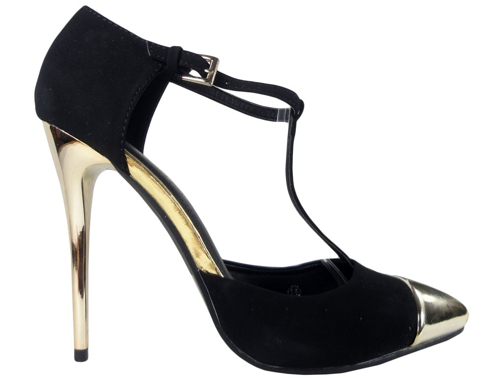Black pins with a strap in the ankle gold nose - 1