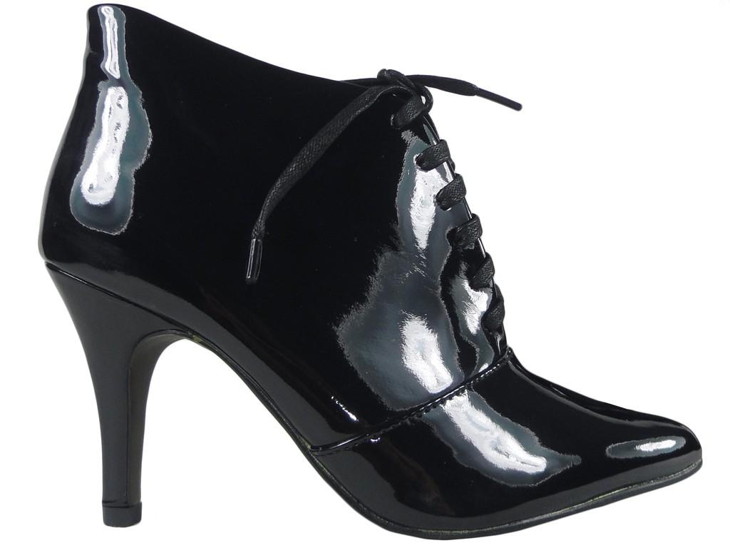 f0e013b02ad9f5 Czarne botki damskie sznurowane buty - KOKIETKI