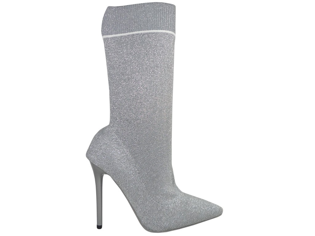 Gray boots pins sports sock style - 1
