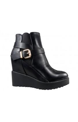 Czarne buty botki damskie na koturnie