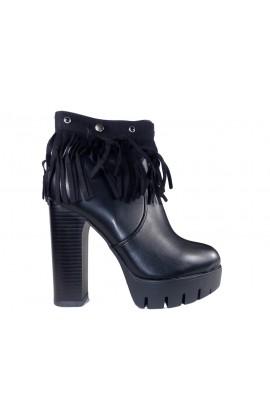 Czarne ocieplane botki na słupku buty frędzle