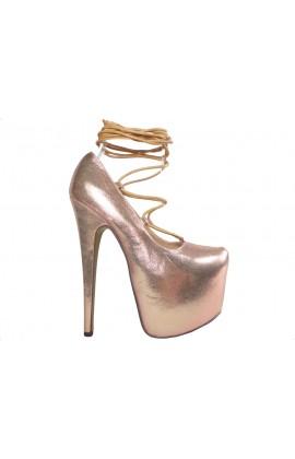 Złote wiązane szpilki na platformie high heels