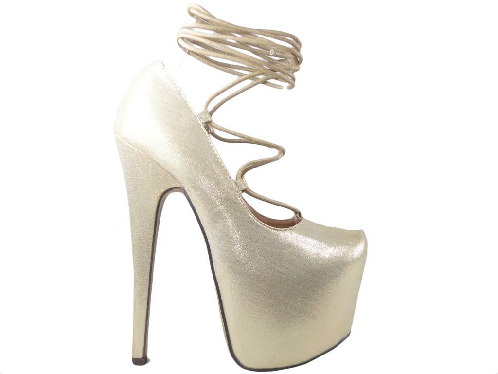 Hellgoldgebundene High Heels Stilettos - 1