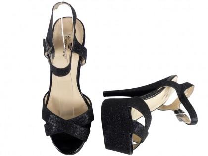 Brokatowe sandały na szpilce