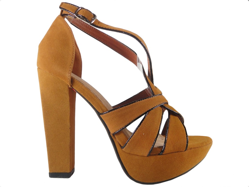 Beige sandals on a pole with a diced belt - 1