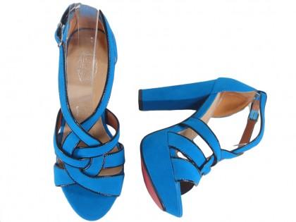 Sandały na słupku niebieskie