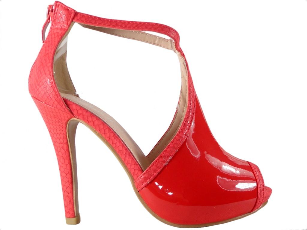 Rote Damensandalen mit Knöchelriemen - 1