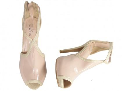 Beżowe sandały damskie