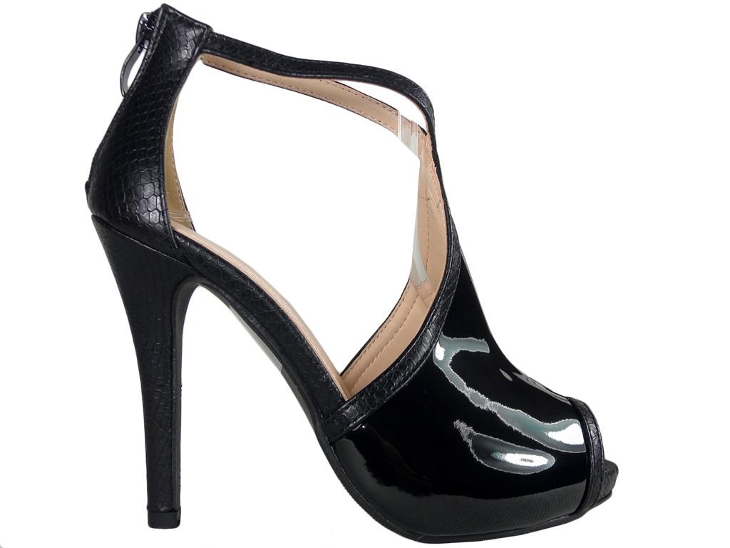Schwarze Damensandalen mit Knöchelriemen - 1