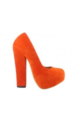 Czerwone szpilki na słupku buty zamszowe