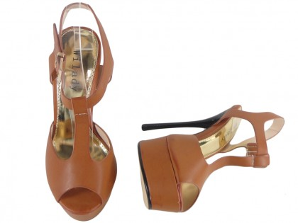 Outlet barna magas sarkú cipő bokaszíjjal - 2
