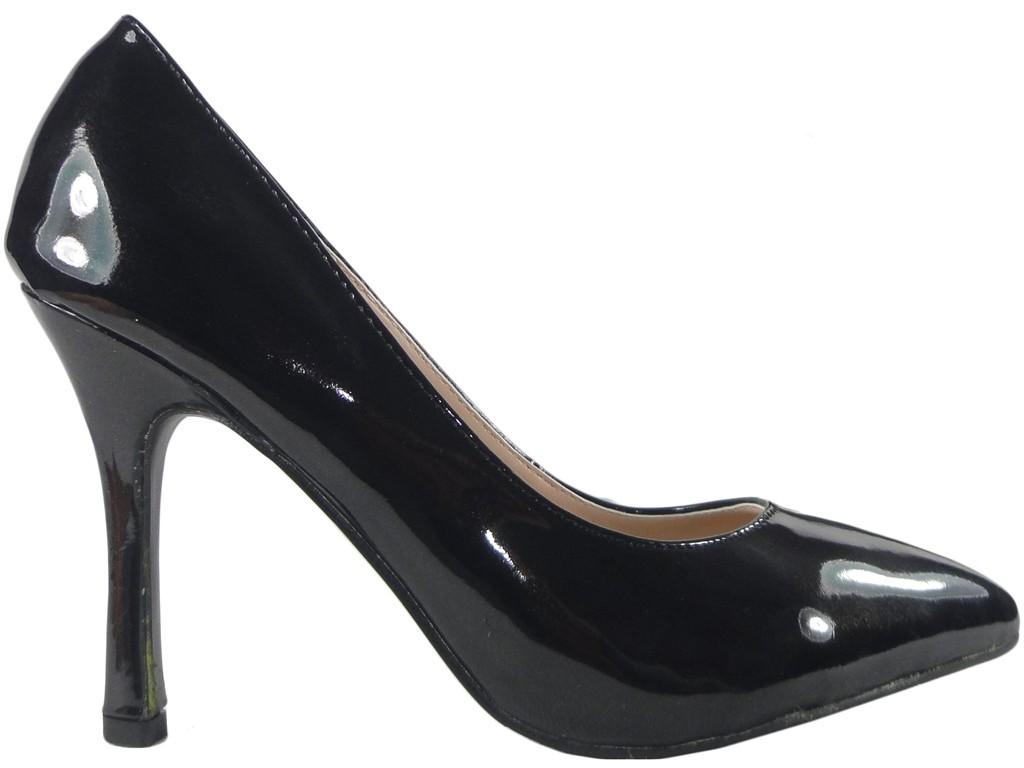 Czarne szpilki buty damskie lakierowane