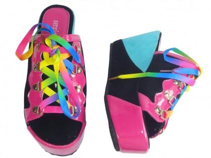 Kolorowe klapki zamszowe buty na koturnie