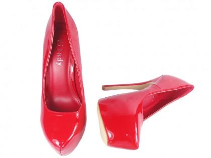 Czerwone szpilki na platformie buty damskie