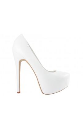 Białe szpilki na platformie matowe buty ślubne
