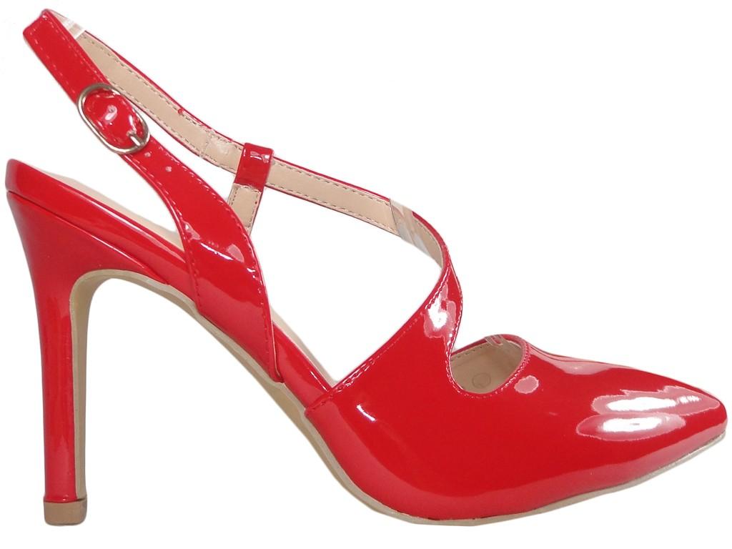 Czerwone szpilki buty damskie z wycięciem