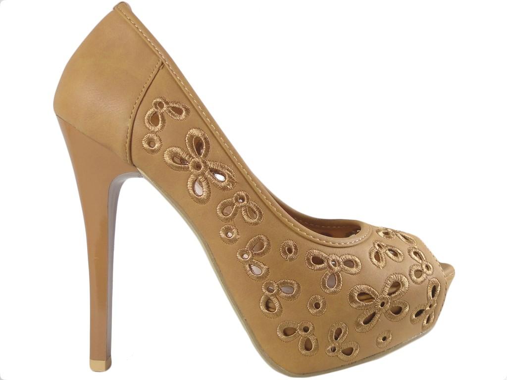 Openwork heels on caramel camel platform - 1