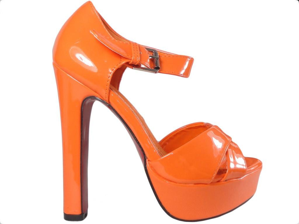 Orange Sandalen auf den Nachsommer-Damenschuhen - 1