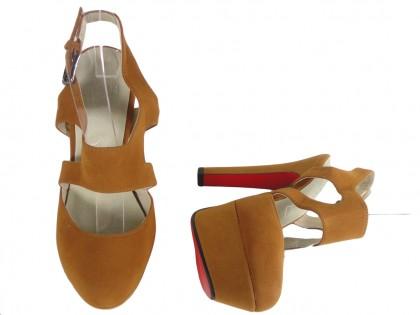Brązowe sandały na platformie buty na słupku
