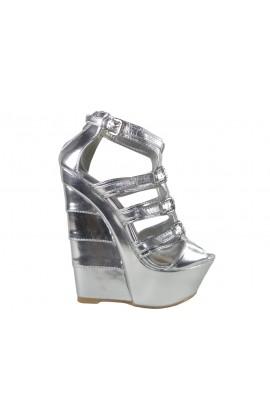 Outlet srebrne sandały na koturnie
