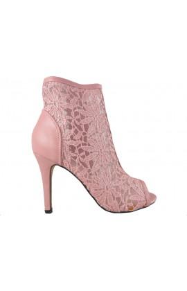 Outlet różowe sandały ażurowe botki z haftem