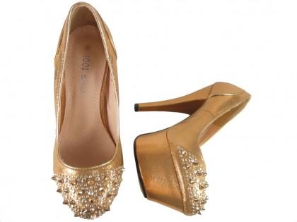 Buty na platformie złote