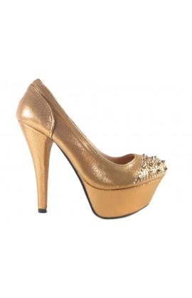 Outlet buty na platformie z kolcami