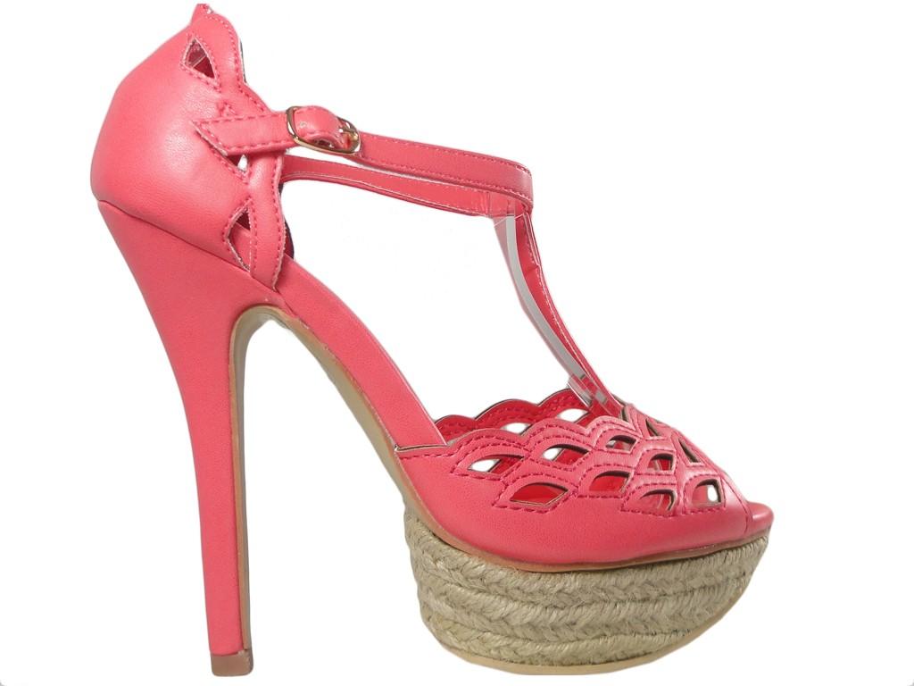 8198906882335 Koralowe sandały na szpilce buty na platformie - KOKIETKI