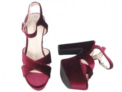 Bordowe sandały na platformie słupek buty damskie