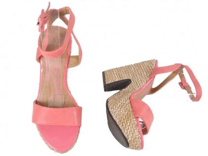 Coral sandals on the platform of a belted shoe - 2