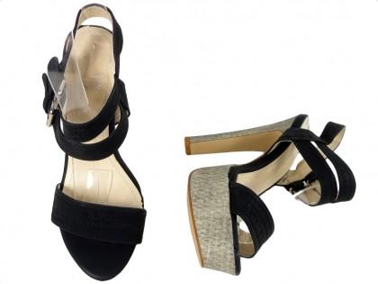 Czarne sandały na platformie buty słupek
