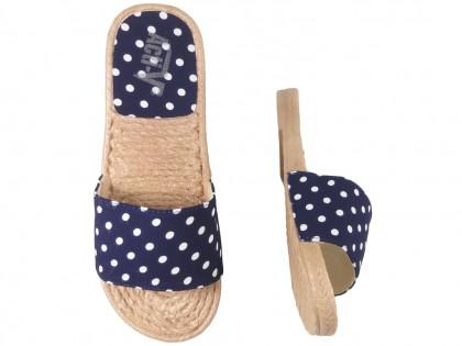 Granatowe klapki w kropki damskie płaskie buty