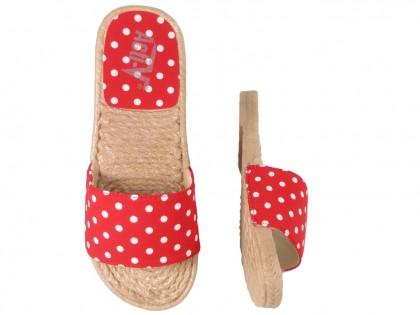 Czerwone klapki w kropki damskie płaskie buty