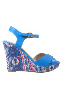 Niebieskie sandały na koturnie letnie buty