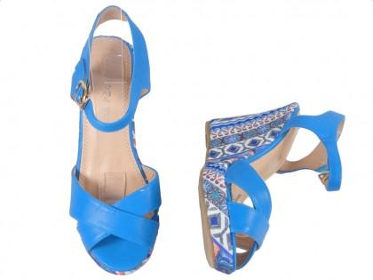 Niebieskie sandały na koturnie letnie buty damskie