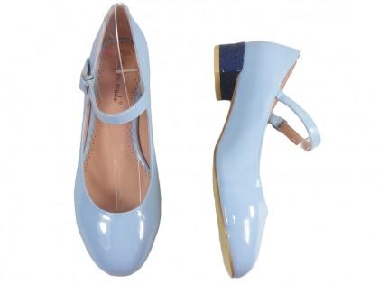 Błękitne czółenka eko skóra niskie buty z paskiem
