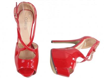 Czerwone szpilki na platformie high heels z paskiem