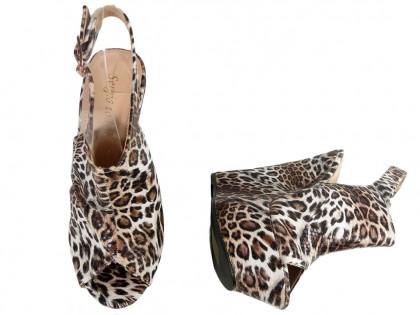 Sandały na koturnie z panterkę buty damskie