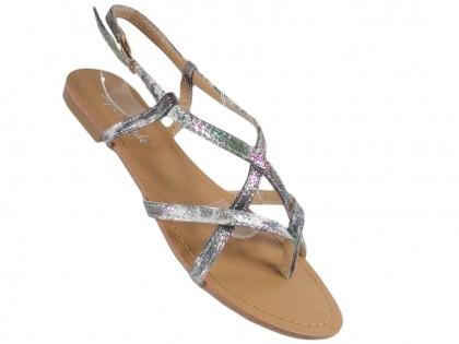 Srebrne błyszczące sandały damskie japonki płaskie