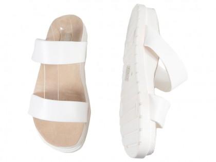 Weiße Gummi-Flip-Flops mit flachen Streifen - 2