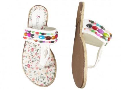 Białe klapki japonki płaskie lekkie buty na lato