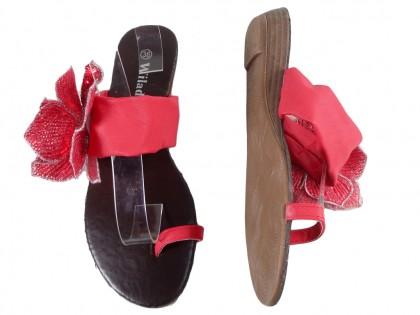 Czerwone klapki damskie płaskie buty