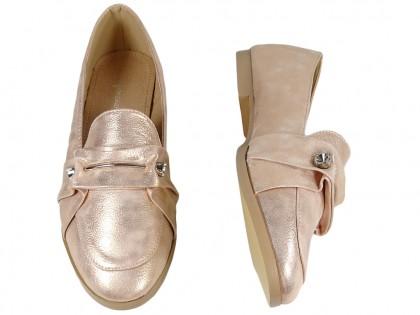 Złote płaskie buty